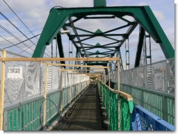 元町跨線橋舗装取り壊し.jpg