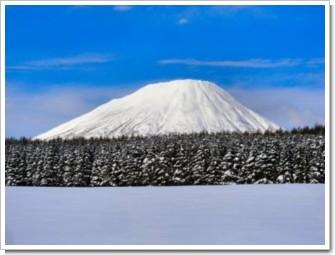 87 蝦夷富士と雪原.jpg
