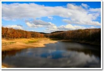 88 秋の大正池.jpg