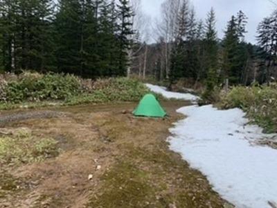 5 第6支線分岐にテント設営